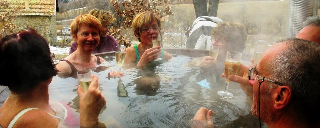 séjour rando raquette : bain finlandais et Clairette de Die de retour de balade en raquette